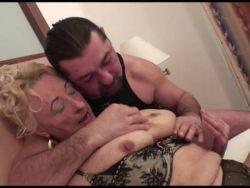Grannie alter Porno