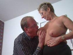Große Titten rasierten Muschi-Bilder
